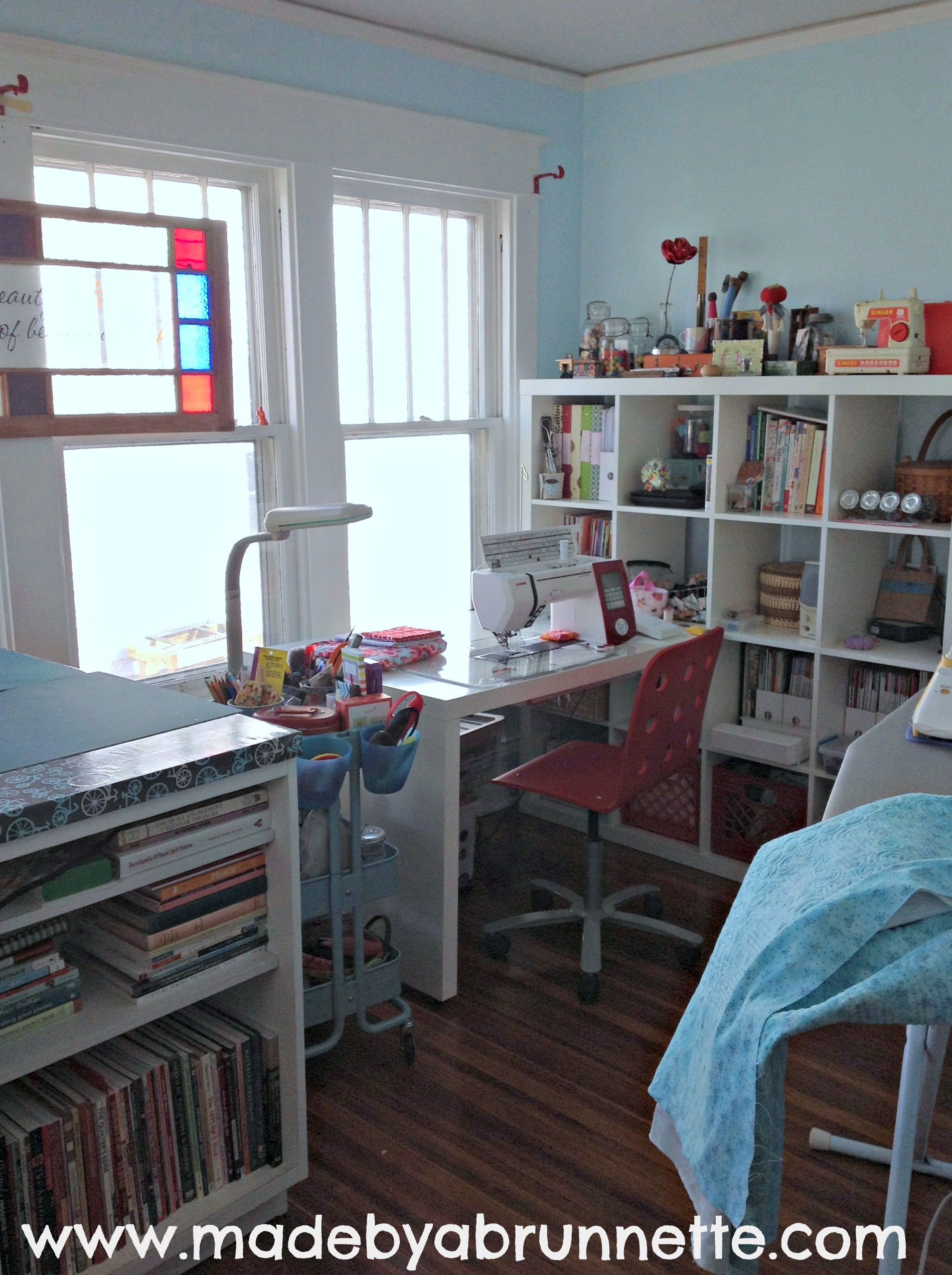Merveilleux Quilting Sewing Studio Full Shot. Ikea Expedit Shelving Unit And Desk ...